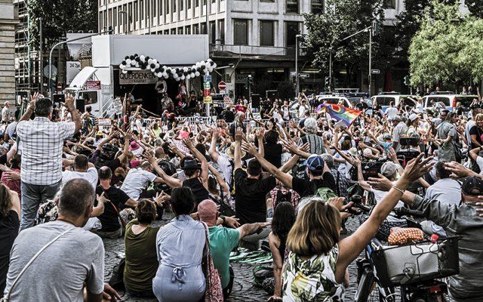 Protester i Frankfurt 15/08